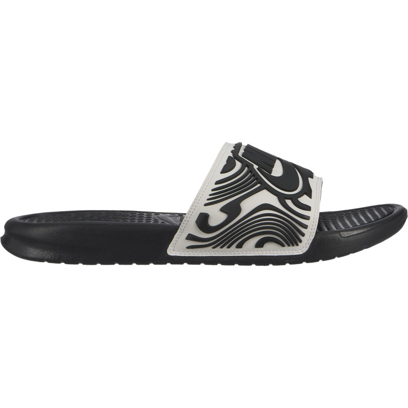 e081fe9da01 Plätud Nike M BENASSI JDI SE must - Flip-flops - Photopoint
