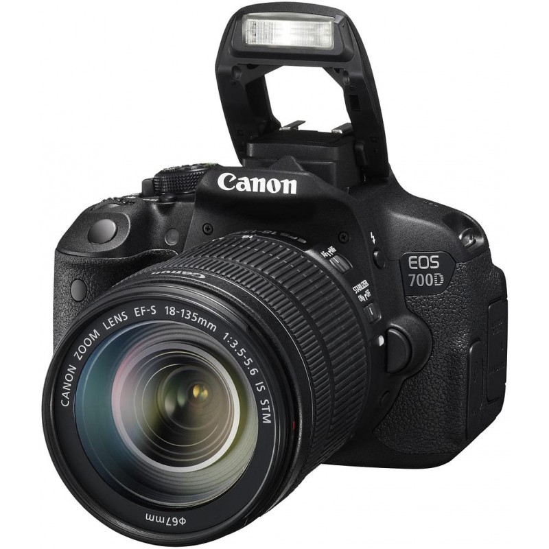 Canon EOS 700D + 18-135mm IS STM Kit