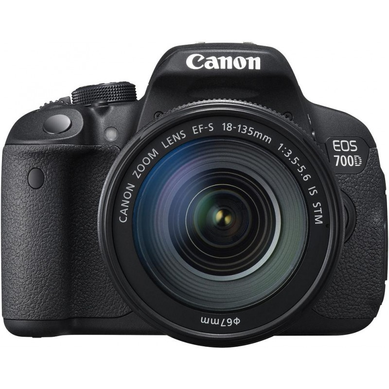 Canon EOS 700D + 18-135мм IS STM Kit