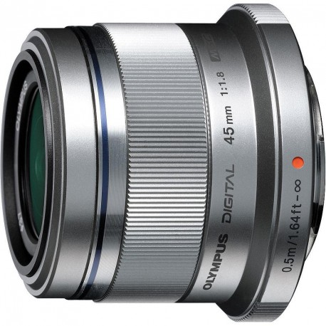M.Zuiko Digital 45mm f/1.8 objektīvs, sudrabots