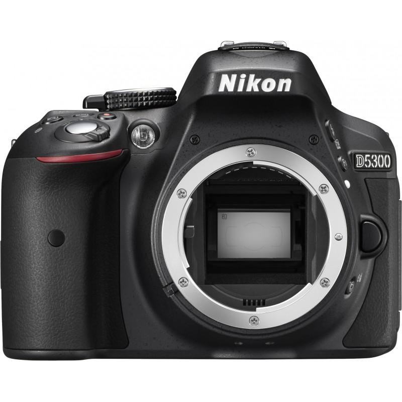 Nikon D5300 + 18-55mm VR II Kit must